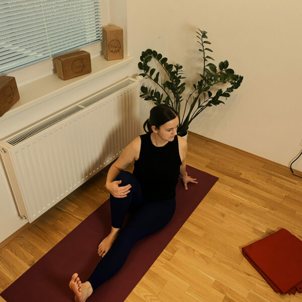 Yoga-für-Schwangere_Caro